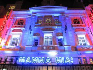 1200px-Mamma_Mia_at_Mogador,_Paris